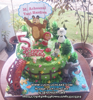 Buttercream Masha and The Bear Kue Ulang Tahun