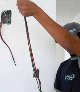 Instalaciones electricas residenciales - trabajando con lineas vivas 1