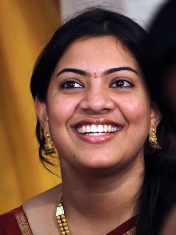 Singer Geetha Madhuri Without Makeup Closeup Face