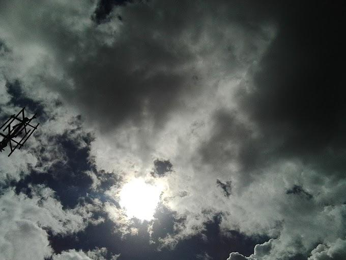 ¡Algo extraño esta pasando en el sol! | Extraño objeto lo circunda