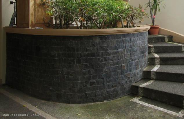 tempelk untuk dinding warna hitam