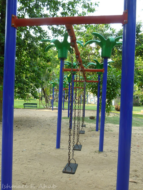 Swings in Lumphini Park