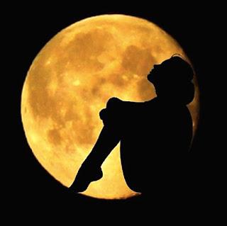 Ayın Peşinden Koşan Kız - Sarah Addison Allen