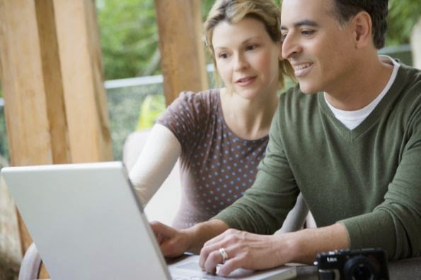 Como as Pessoas Ganham Dinheiro Online com Sites ?