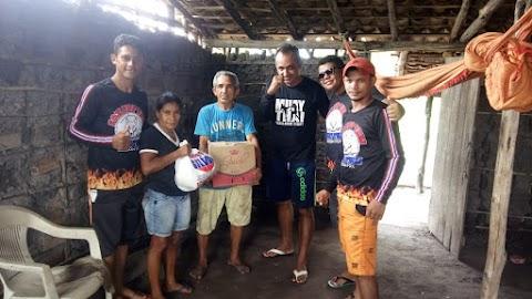 Academia Fox Top Thai, faz doações de cestas básicas para familias de Anapurus