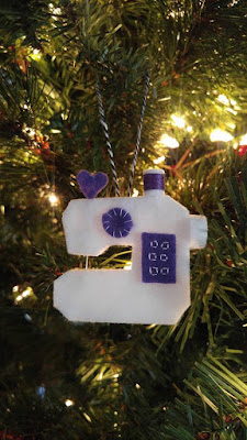 Felt sewing machine ornament
