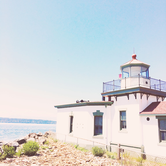 most instagrammable places in seattle discovery park lighthouse