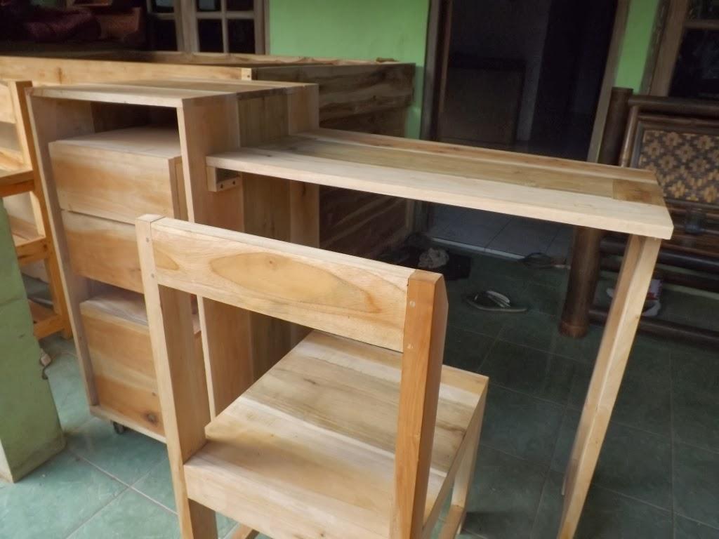 Furniture Dari Jati Belanda