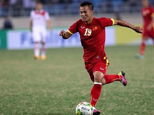 Hình ảnh cầu thủ Thành Lương trên sân thi đấu