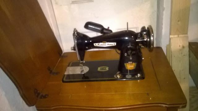 VINTAGE SEWING MACHINES April 40 Stunning Sewing Machines Of Tulsa
