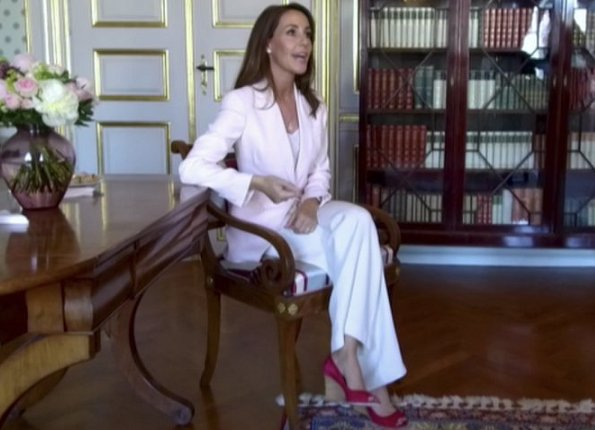 Princess Marie wore Alexander McQueen light pink fitted crepe jacket, Marie style Tod's peep poe pedge pump in red