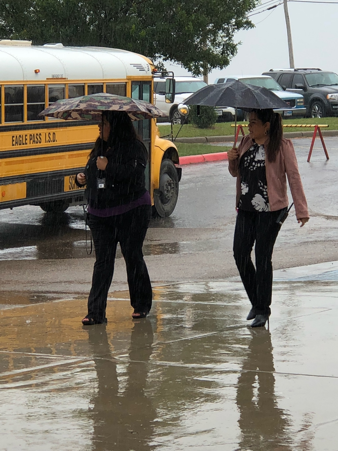 Eagle Pass Isd Ivision Roadrunner Admin Lends A Helping Hand