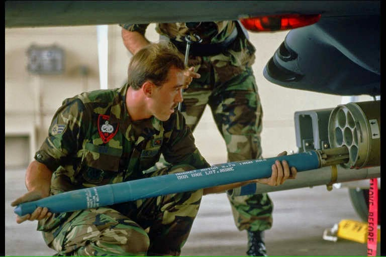 foguetes incendiários hydra 70