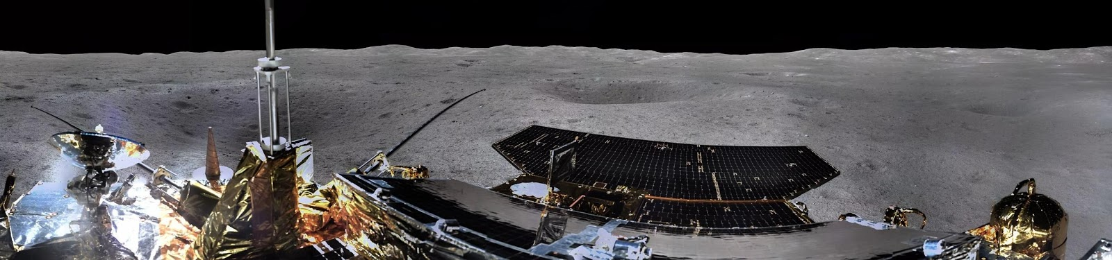 Fotografía panorámica del lado oculto de la Luna
