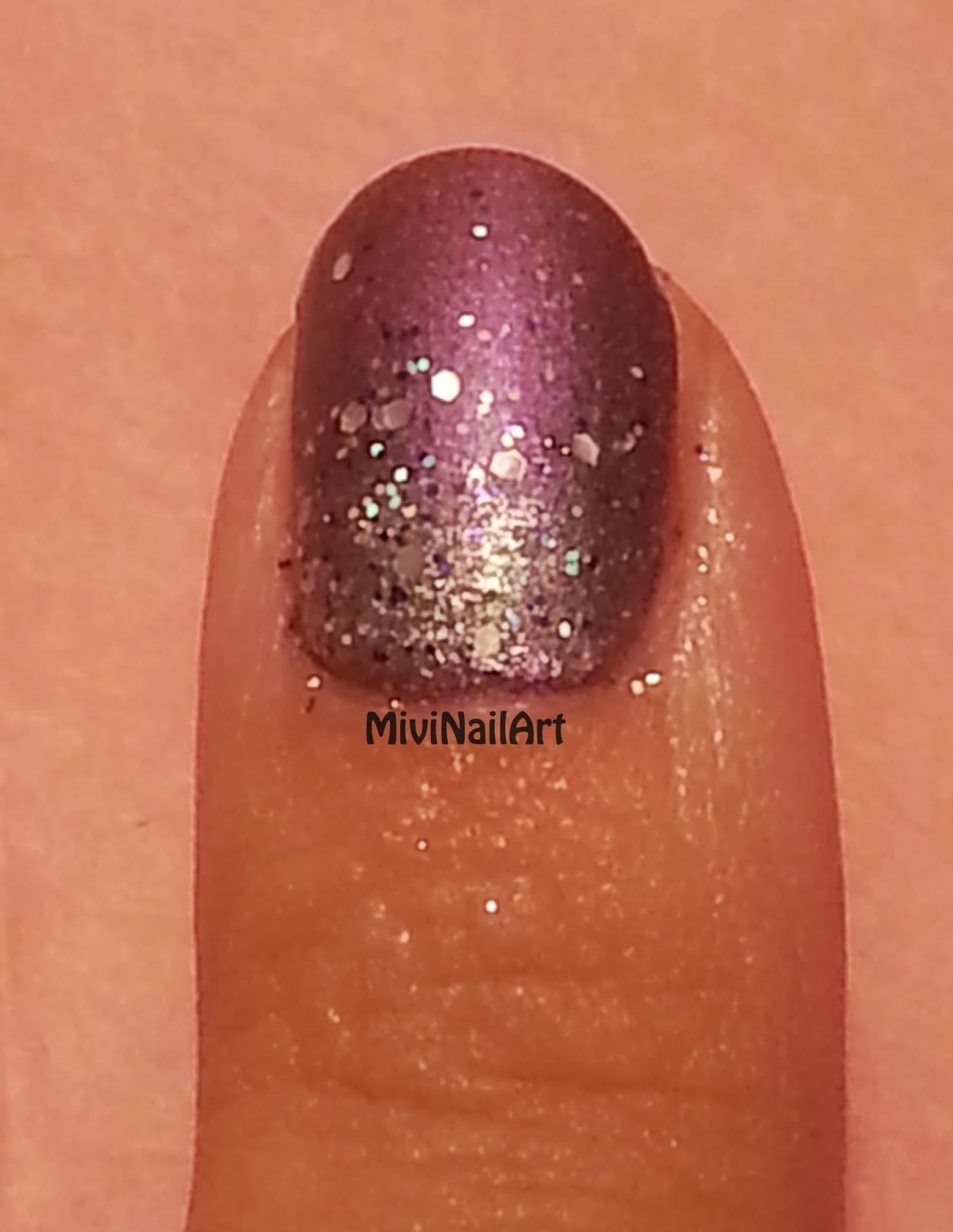 Manicura Metálica Geométrica y Glitter