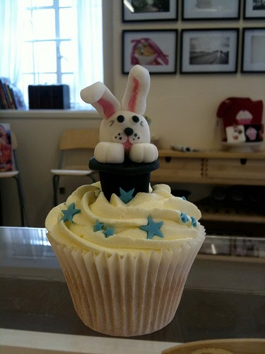 Clydes Cupcake Magic Magic Themed Bunny Birthday Cupcakes Cake