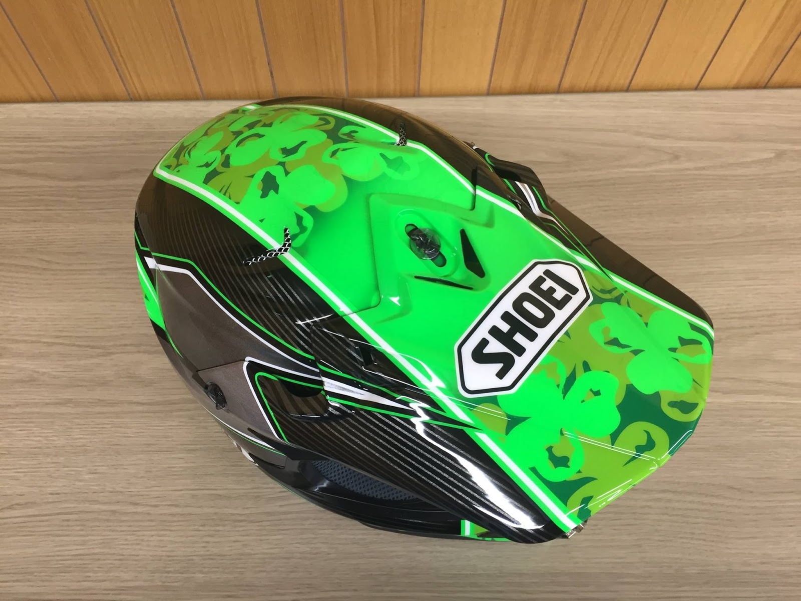 racing helmets garage shoei vfx w e laverty 2016. Black Bedroom Furniture Sets. Home Design Ideas
