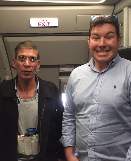 "Passenger takes ""best selfie ever"" with EgyptAir hijacker"