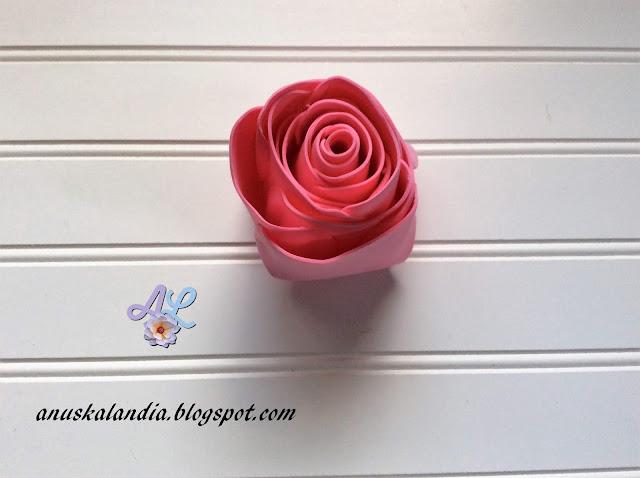 Rosa-gigante-en-goma-eva-o-foamy-17-2-pegar-Anuskalandia