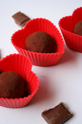 https://be-alice.blogspot.com/2016/04/10-minute-rum-truffles-vegan.html