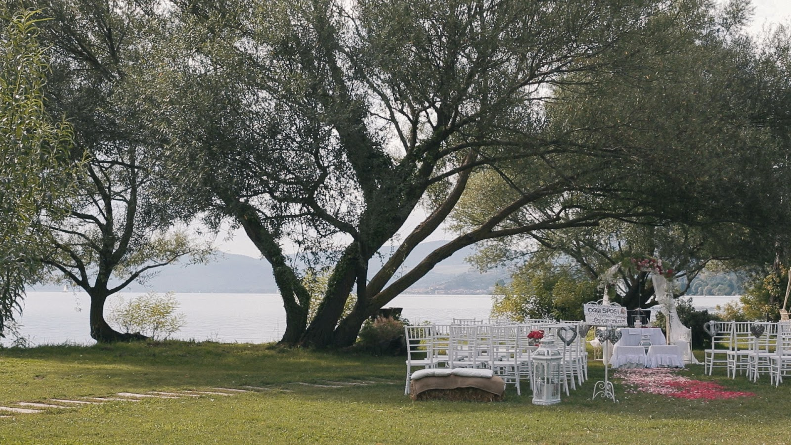 Matrimonio Trevignano Romano : Trevignano sposi reportage youtube