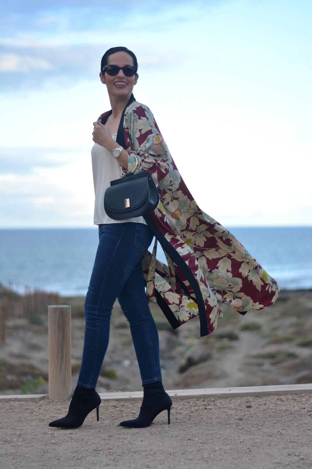 zara-kimono-outfit-look-topshop-jamie-jeans