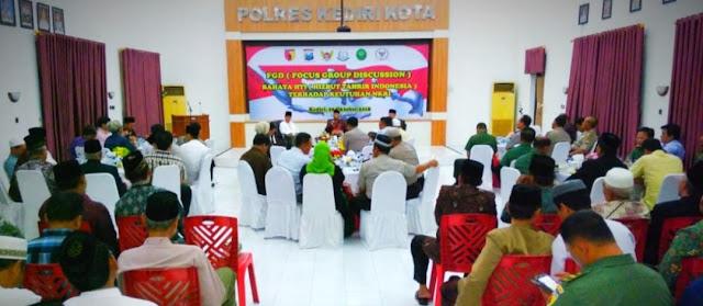Forum Diskusi Bedah Kasus Pembakaran Bendera HTI di Polres Kediri Kota