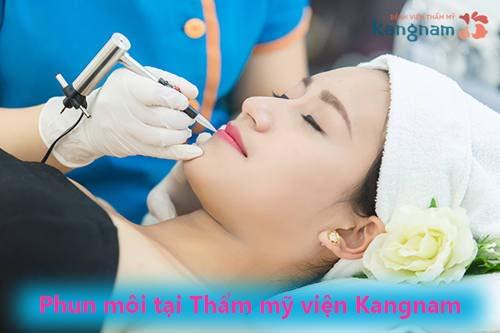 Phun môi đẹp tại TMV Kangnam