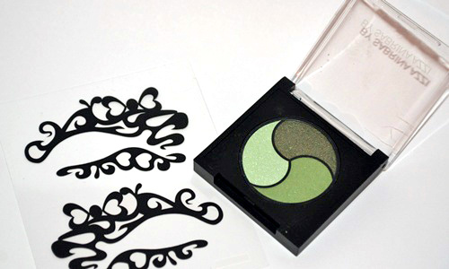 sombras de ojos verdes y tatuajes de maquillaje by sabrina azzi