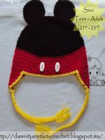 http://translate.google.es/translate?hl=es&sl=en&u=http://www.damnitjanetletscrochet.blogspot.mx/2012/10/mickey-mouse-earflap-beanie.html&prev=search
