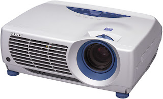 3-CRT proyektor