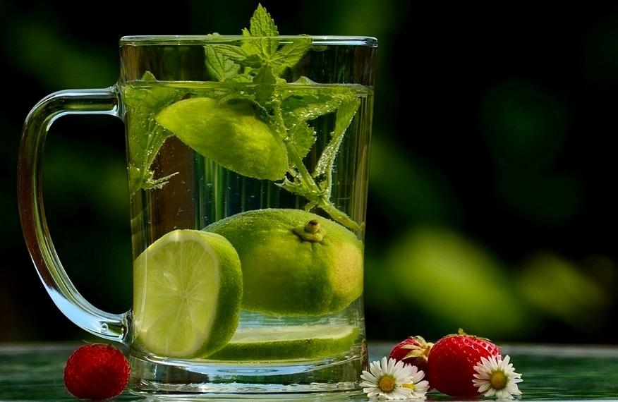 cara membuat infused water lemon dan kiwi cara membuat ...