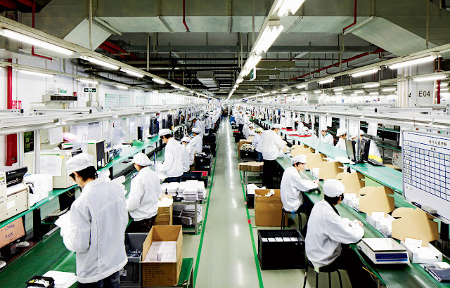 foxconn-apple-factory Apple will reduce iPhone 7 production by 10% Apps