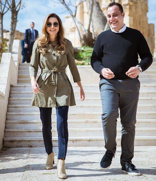 Queen Rania of Jordan visited the nonprofit initiative, 'I Learn Jo: Space for Knowledge' at the Jerash Visitor Center