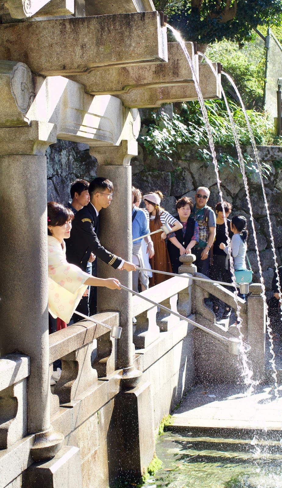 Kiyomizu-dera-temple-Otowa-waterfall-Kyoto-Japan