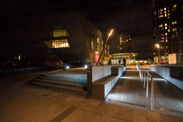 Biblioteca di Rotherhithe di notte-Londra