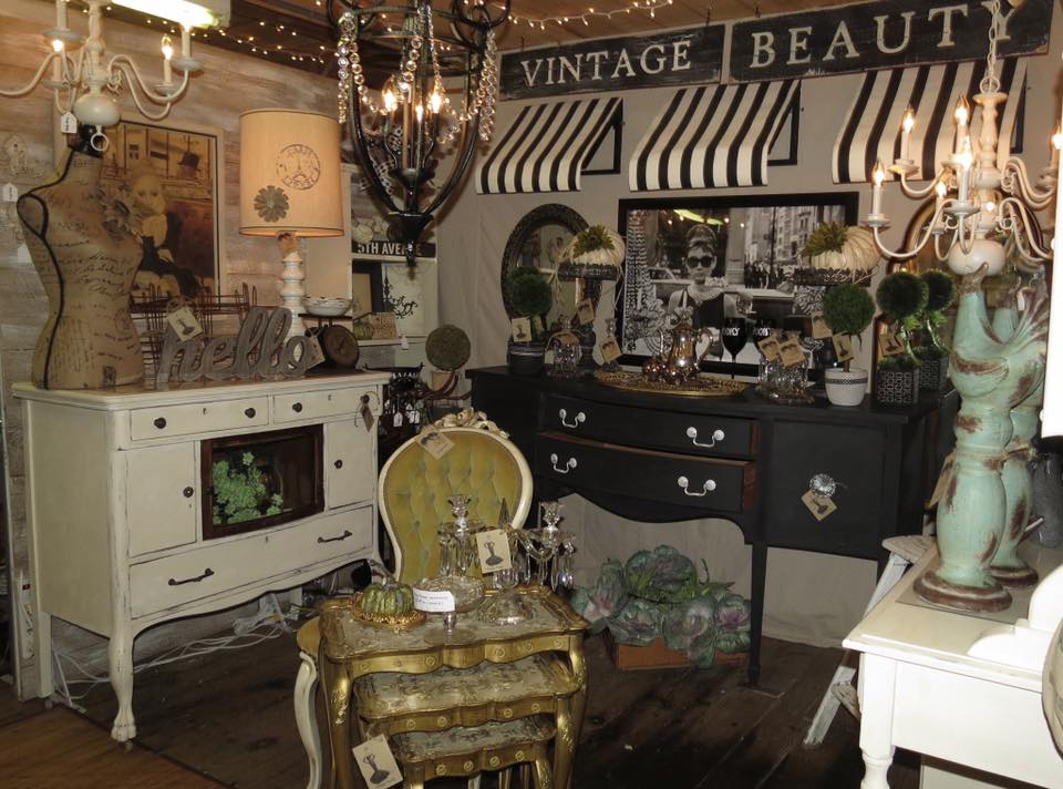 Booth Crush: Tips for Running A Successful Antique Booth
