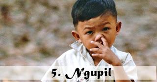 Godaan paling berat selama Bulan Puasa adalah kebiasaan Ngupil