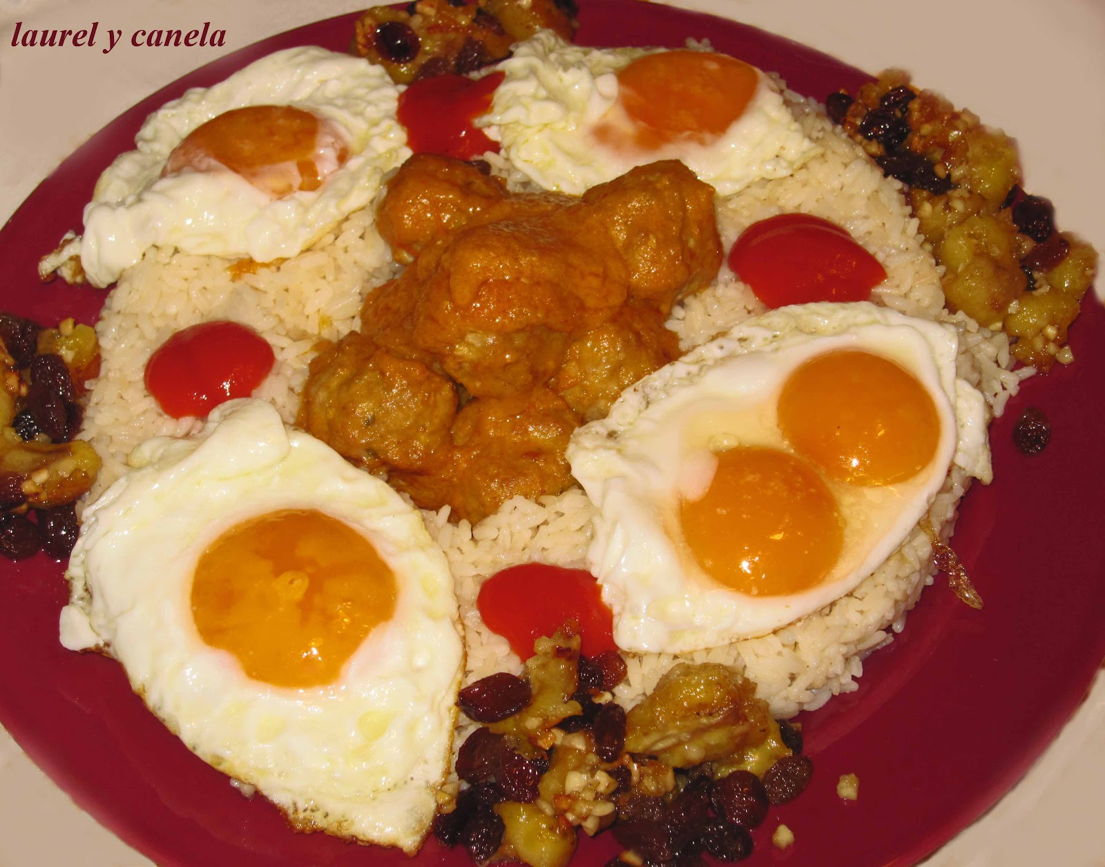 Laurel y canela corona de arroz a la cubana con - Guarnicion para albondigas ...