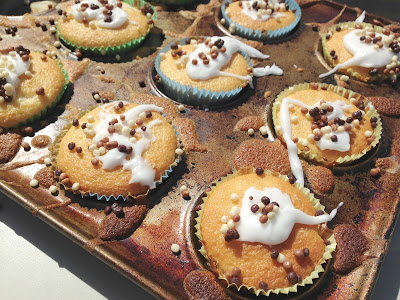 Tin Box Tot's cakes