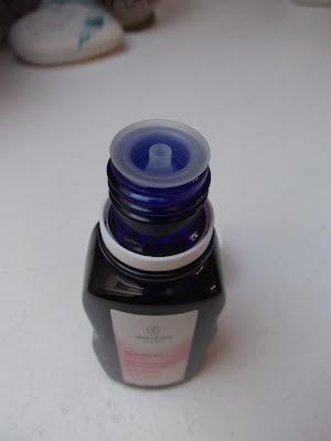 jemný čistý mandľový olej