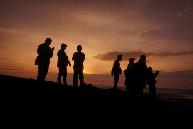 Sunrise Puncak Gunung Bantal Nglanggeran