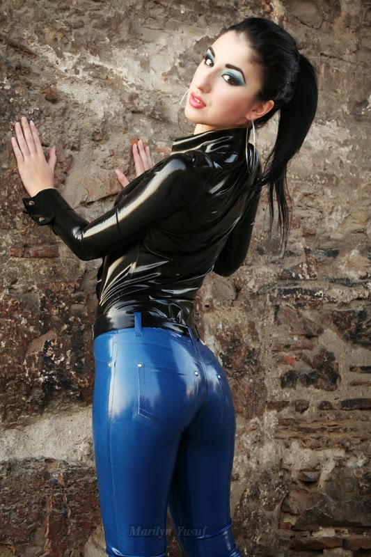 Marilyn Yusuf's Passion for Latex: Marilyn Wearing Latex ...