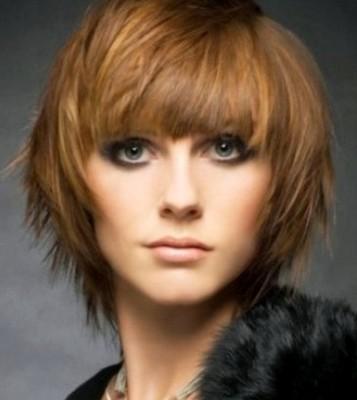 model rambut lurus berponi pendek 2018