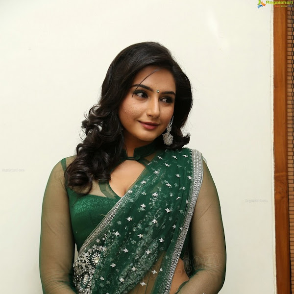 Raagini Dwivedi latest hot navel show photos