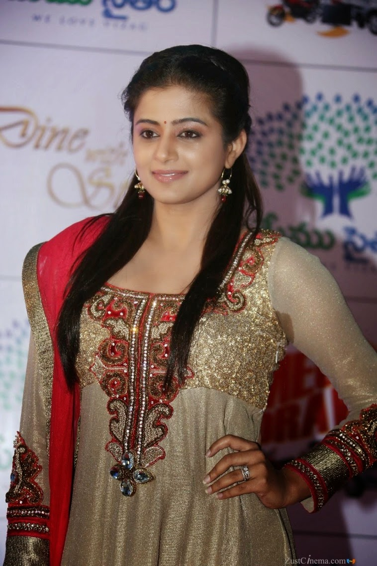 Actress Priyamani Latest Cute Hot Exclusive Beautiful Spicy Photos Gallery At Memu Saitam Dine With Stars Event