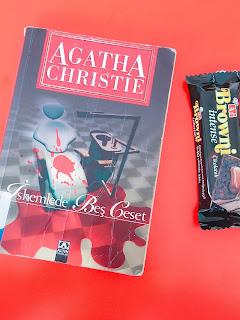 iskemlede beş ceset agatha christie