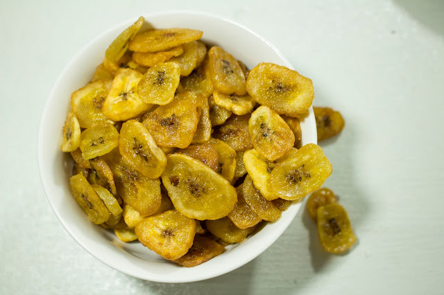 This is the correct way to make crispy banana chips at home for business.