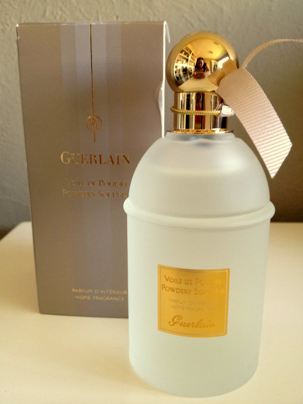 guerlain perfumes guerlain home fragrances les parfums d 39 interieur. Black Bedroom Furniture Sets. Home Design Ideas