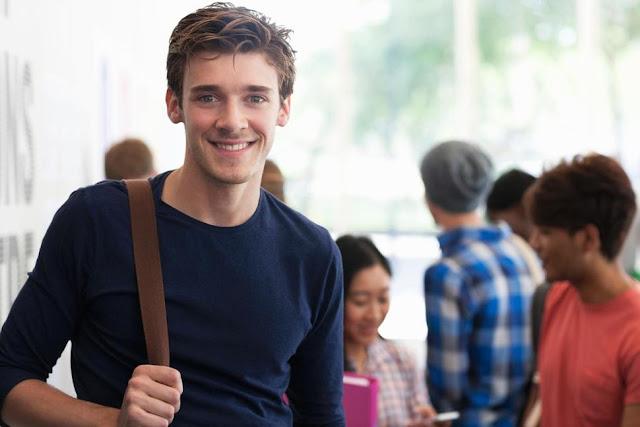 4 Tanda Kalau Kamu Belum Siap Menjalin Hubungan Seseorang